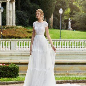 el modelo nacera es una mezcla de vestido boho y romántico