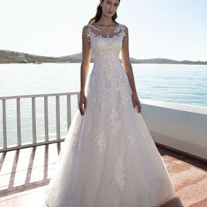 Vestido de novia con pedrería de Cosmobella