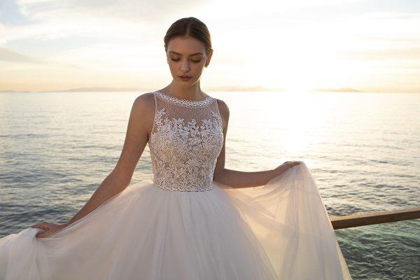 traje de novia de la colección 2021 de la marca Cosmobella